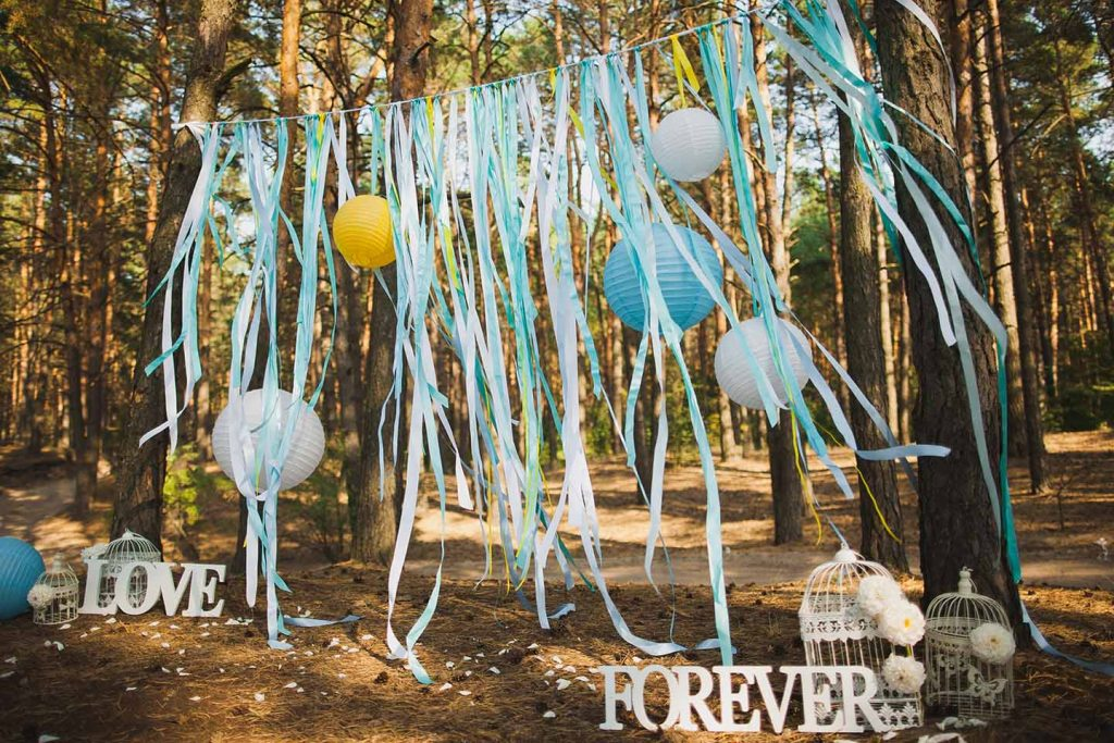 festival-wedding-in-a-forest